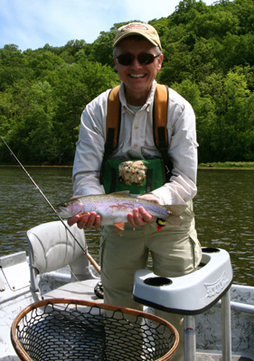 John Switow shows a big rainbow on the Holston